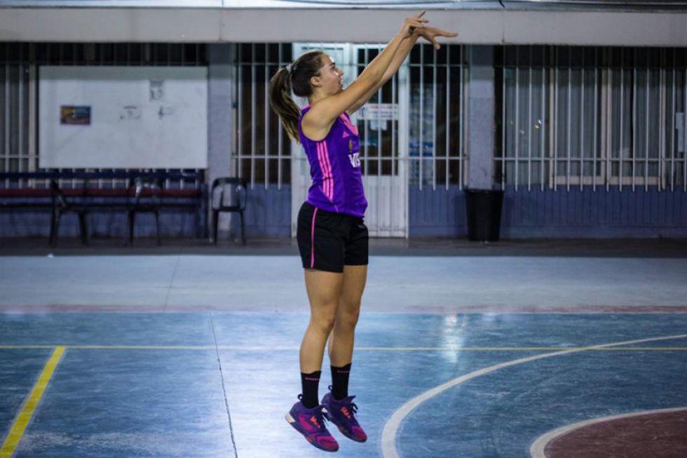 Abril Ramírez durante el entrenamiento.