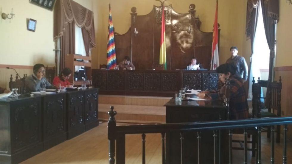 Se reinicia la sesión ordinaria del Concejo Municipal.