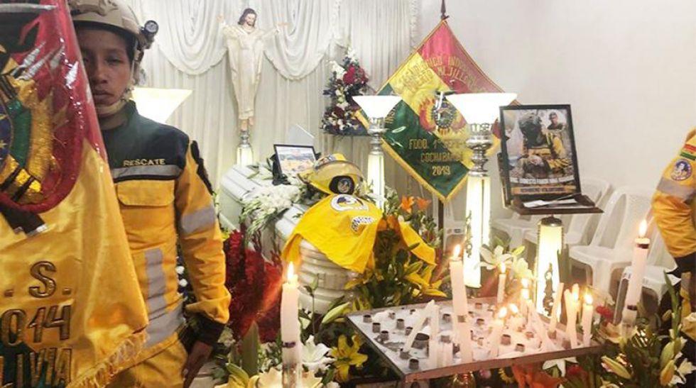Hoy a las 16:00, los restos de Ernesto Nina serán trasladados al Cementerio general para su entierro.