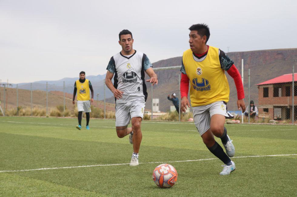 El técnico Suárez fortalece el trato del balón en Real para el partido del domingo
