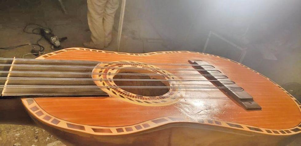 Así se ve a la caja del instrumento.
