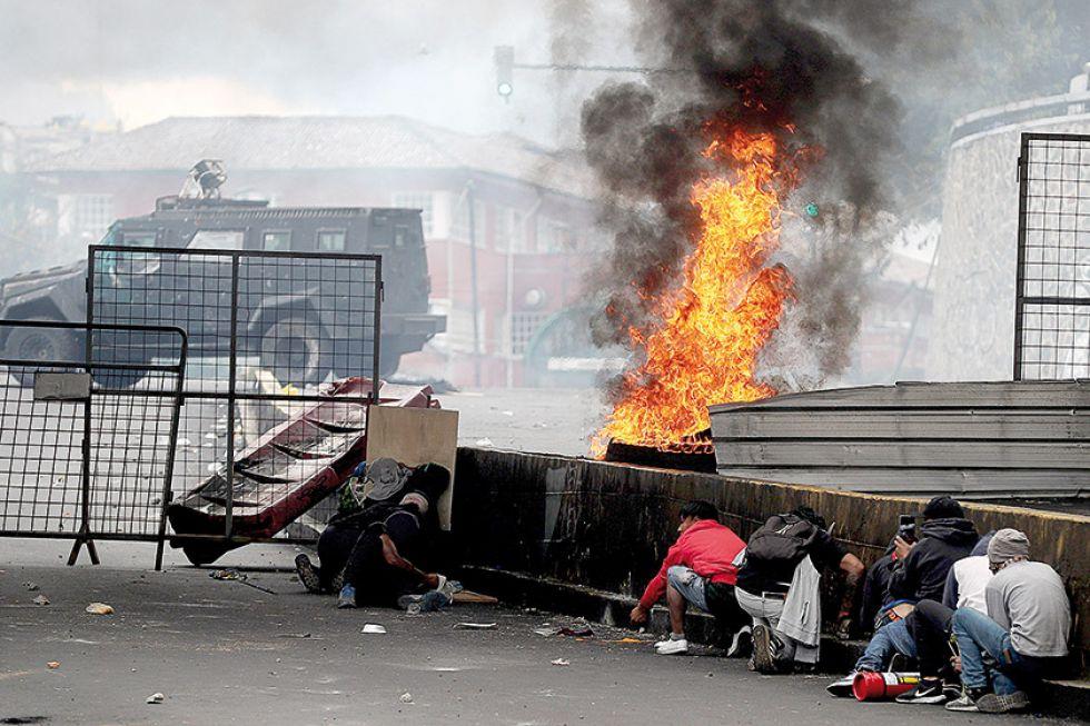 QUITO. La circulación de las tanquetas es una constante desde el fin de semana.