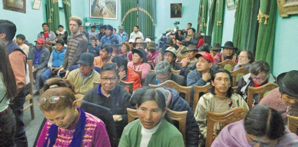 Los representantes de las organizaciones en la reunión en Uyuni.