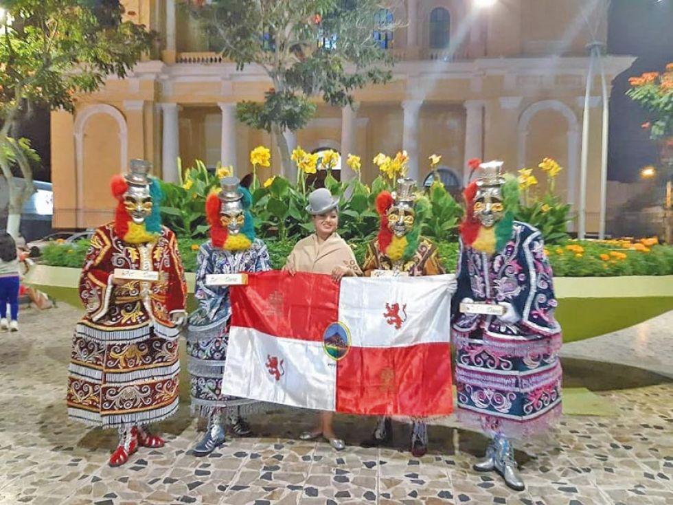 ArFolDanz en el Perú, representando a Bolivia.