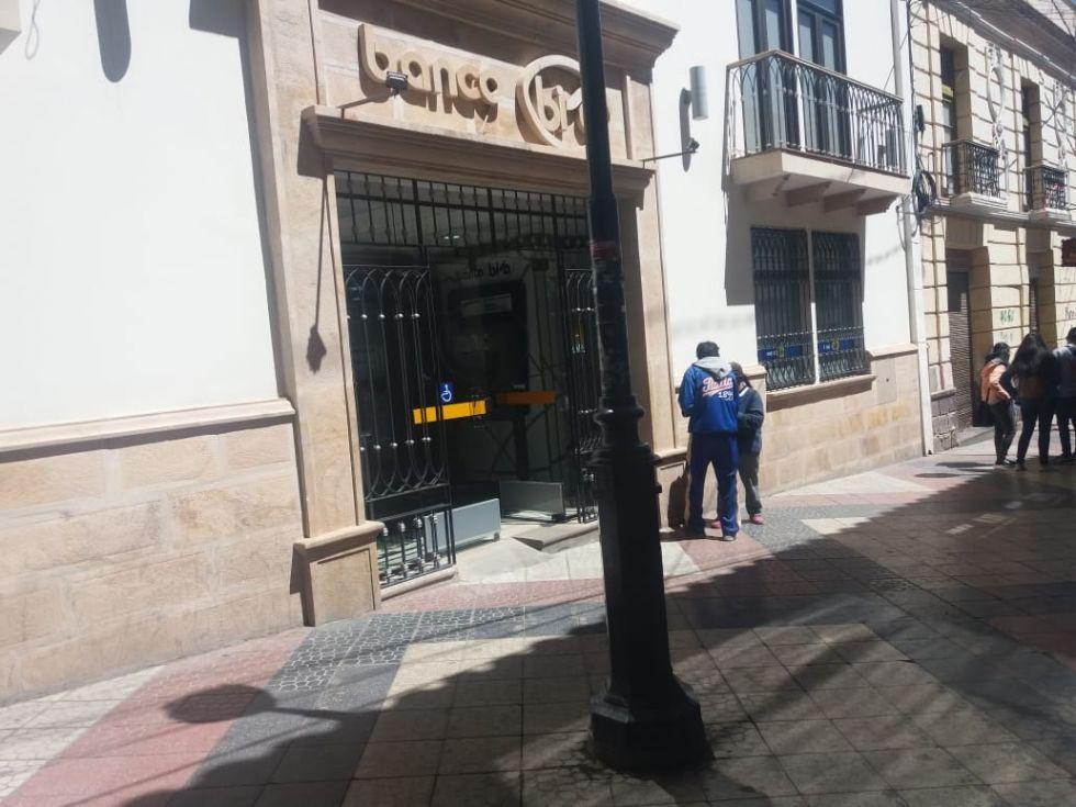 Entidades financieras en el centro de la ciudad.