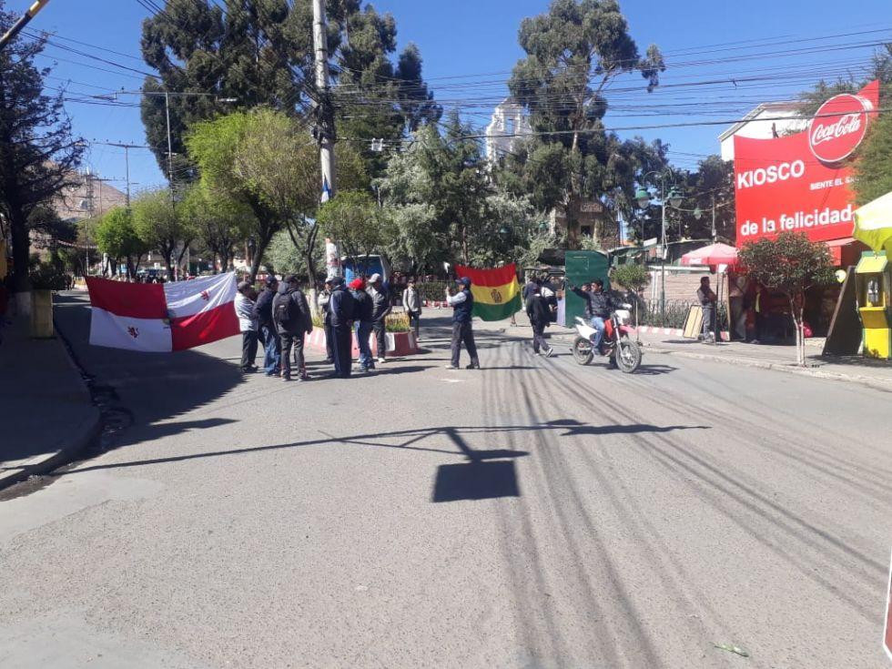 Así están los bloqueos en las calles de Potosí.