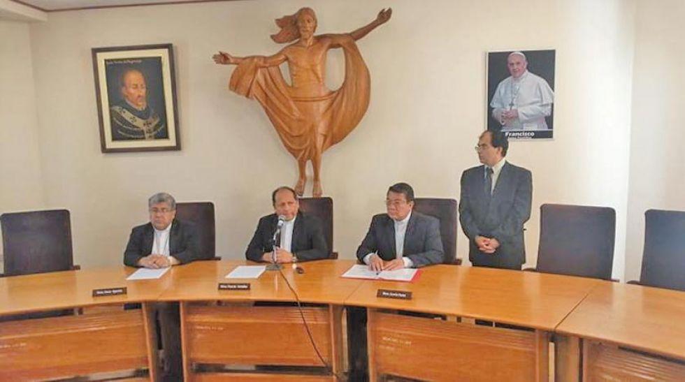 La Conferencia Episcopal Boliviana (CEB) en conferencia de prensa.