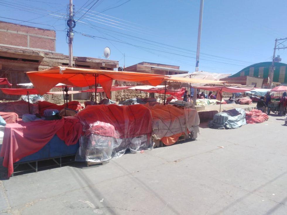 Los puestos de venta de verduras permanecen cerrados