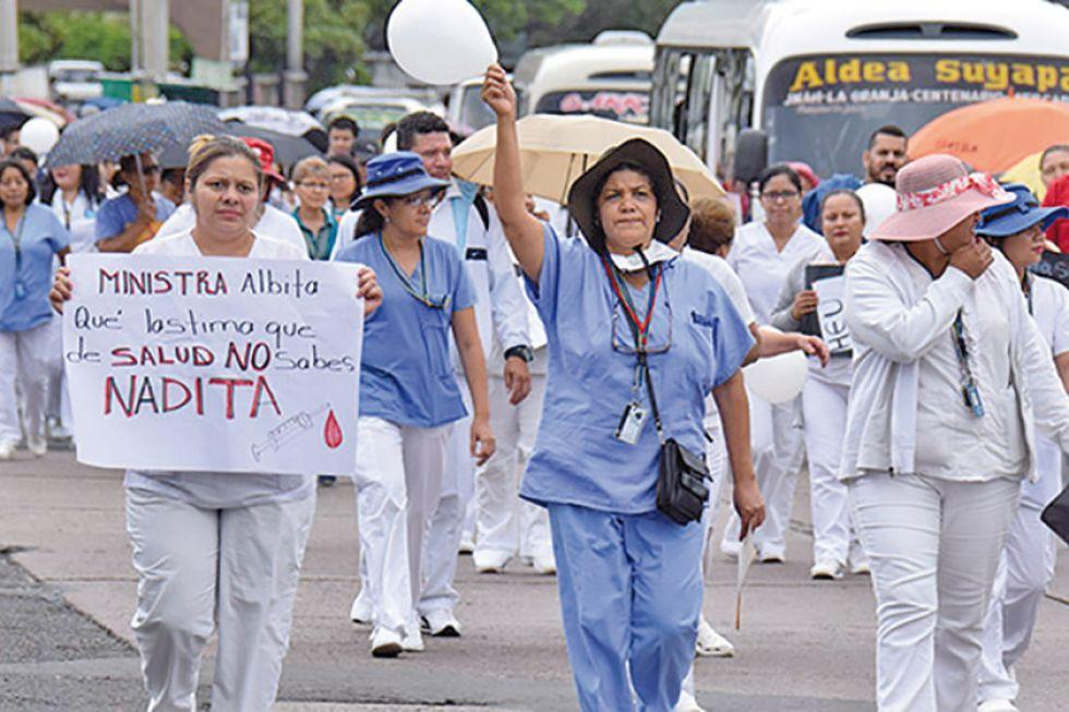Médicos anuncian la suspensión del paro y piquetes de huelga