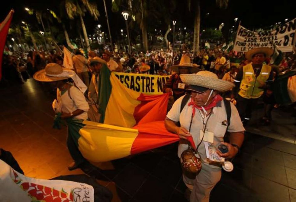 Anoche llegaron Yuracarés, Trinitarios, Mojeños, Tacanas y otros pueblos indígenas a Plaza 24 de septiembre.