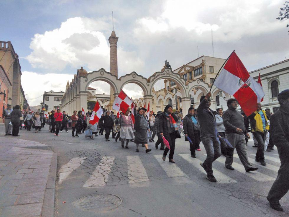 Gobierno no abrogará decreto y Potosí prosigue en la huelga