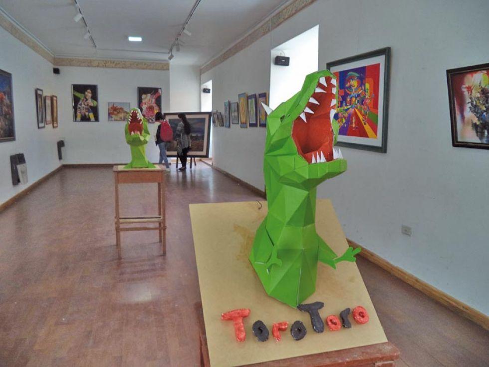 Convocan a concurso de pintura para mujeres