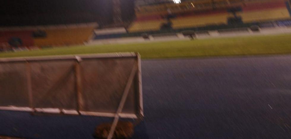 Granizo y lluvia anteceden al partido.