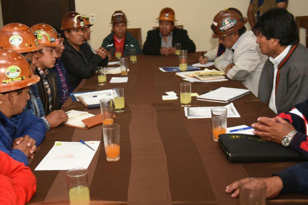 Candidato del MAS se reúne con Evo a nombre de cooperativistas