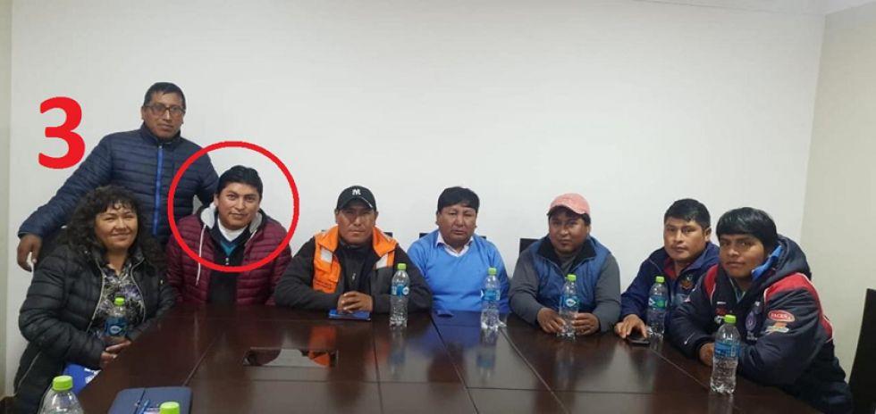 3. Con sus amigos (algunos estuvieron en la reunión con Evo).