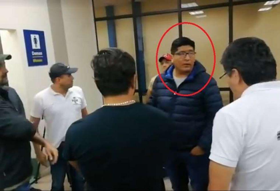 El coordinador de la terminal aérea fue denunciado de poner en riesgo la integridad de Camacho.