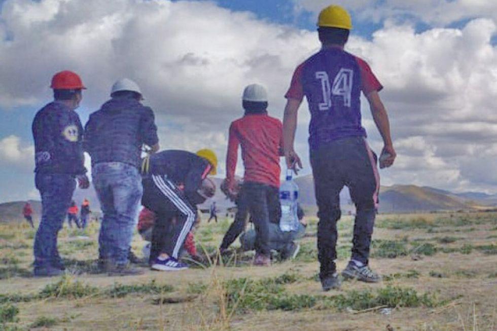 Emboscada a buses de caravana potosina dejó al menos cinco heridos