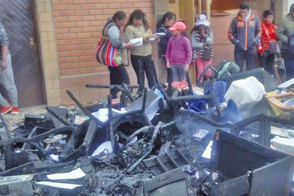 Potosí vivió jornada de violencia con toma de rehenes y quemas