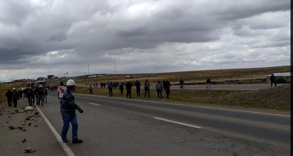 Caravana potosina hace un alto en  Oruro y hoy definirán su destino