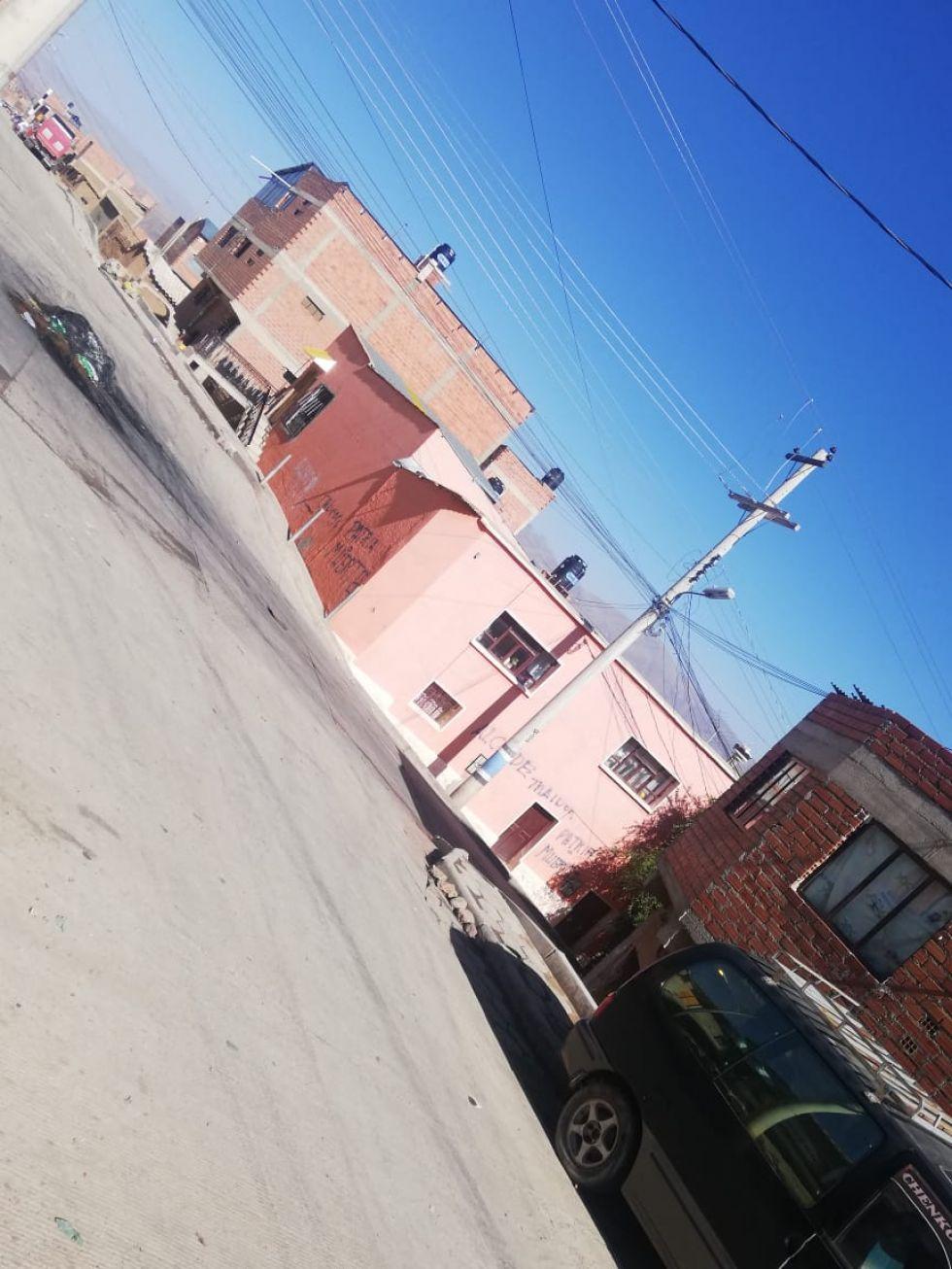 La casa está en Villa Santiago.