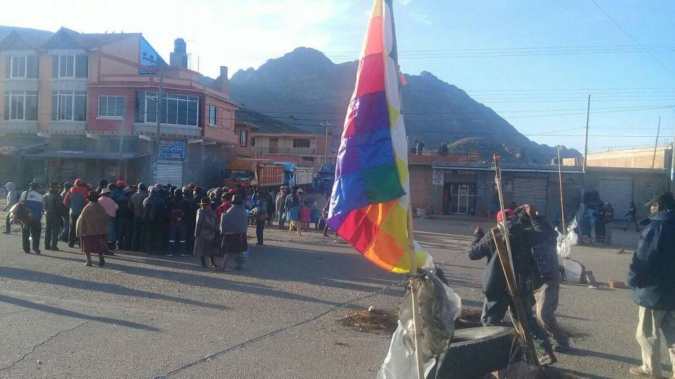 Bloqueadores de Betanzos se reúnen para partir hacia Potosí