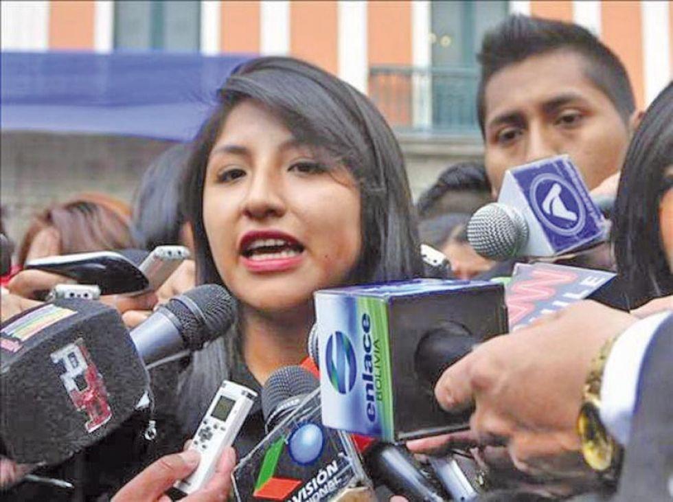 Gobierno de Áñez autoriza salvoconducto para la hija del expresidente Morales