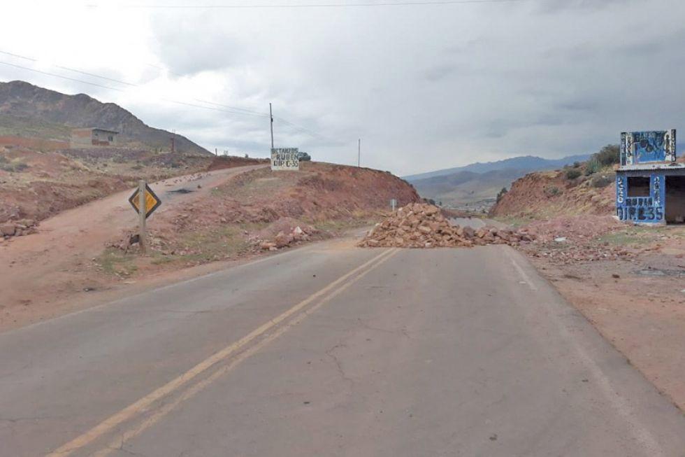 Campesinos suspenden bloqueos sobre el camino de Potosí a Sucre