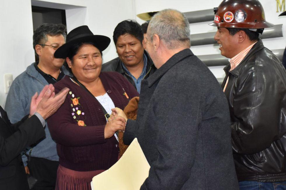 Ministerio de Gobierno y los sectores sociales firman acuerdo de paz