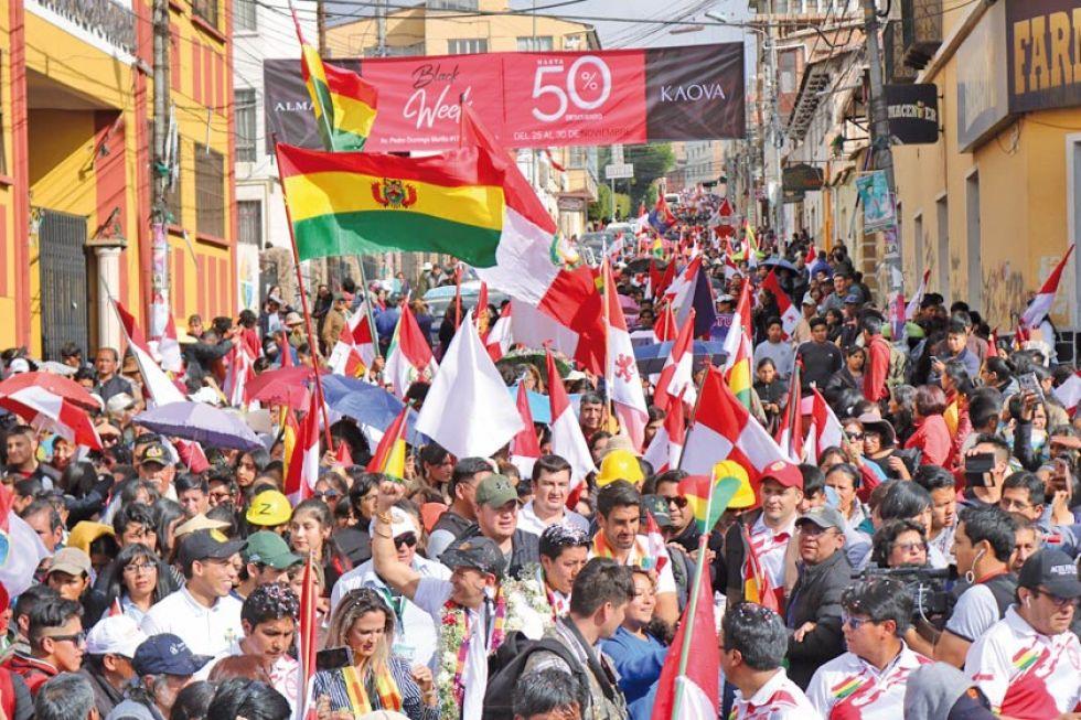 Ayer hubo una multitudinaria marcha en la ciudad de Potosí.