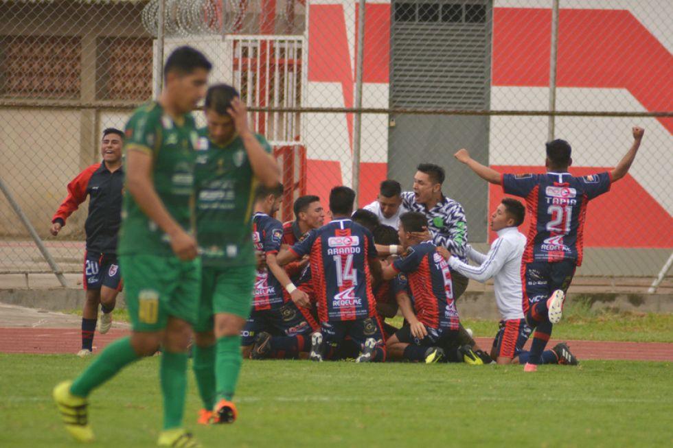 El equipo potosino festeja uno de sus goles.