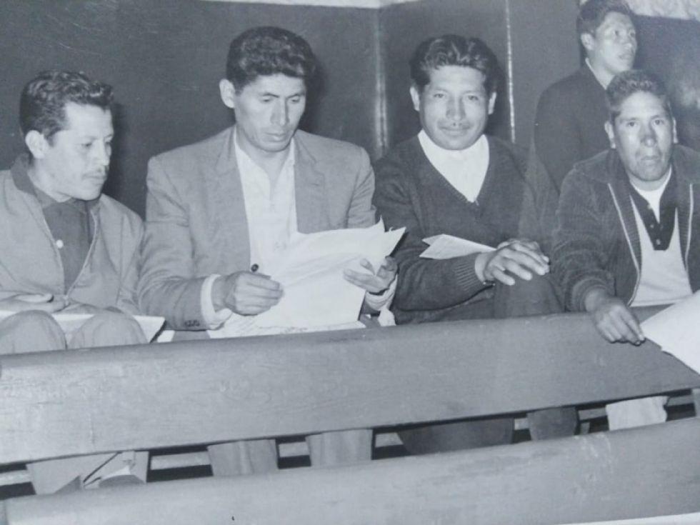 Junto a Simón Reyes (2I). Gutiérrez está a la derecha.