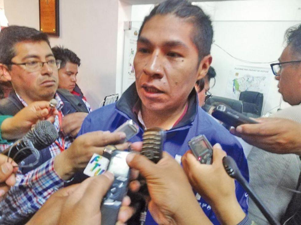 Carlos Alberto Puita en declaraciones a la prensa.
