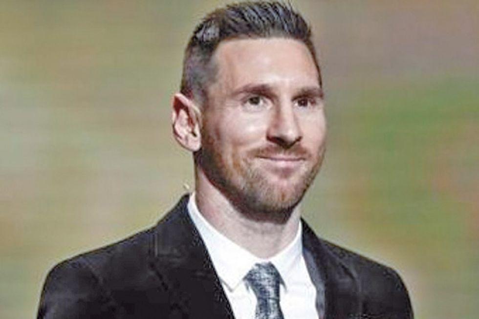 Messi supera a Ronaldo y hace historia al ganar su sexto Balón de Oro