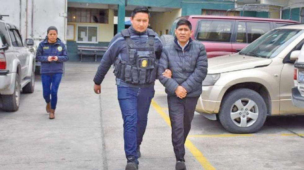 El exvocal (derecha) está investigado por delitos electorales, delitos comunes y delitos de corrupción.