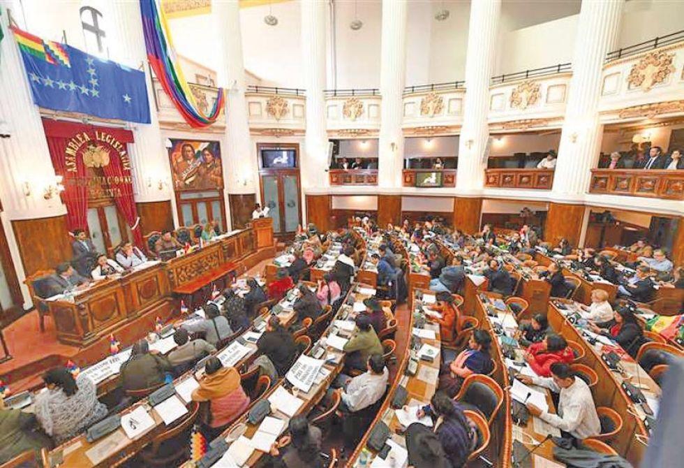 El MAS advierte con promulgar la ley de Garantías en el Senado