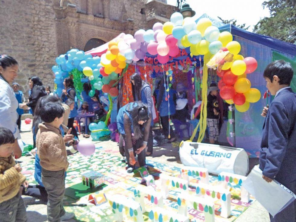 Desarrollaron exposiones interactivas para niños en el área de Educación Parvularia.