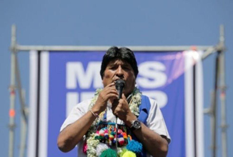 El expresidente está asilado en México y en estos días en Cuba