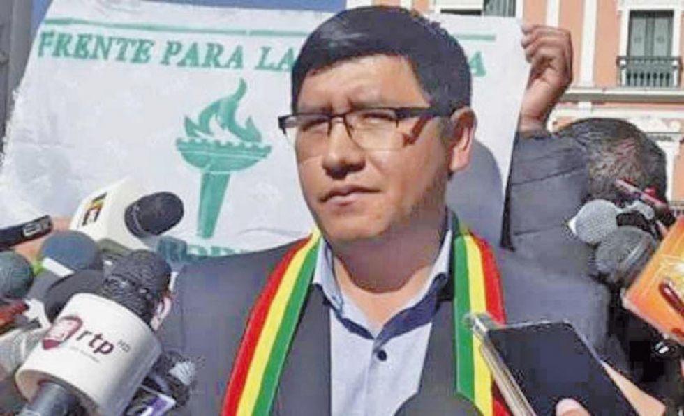 FPV ofrece su sigla a Camacho y Pumari, si piden perdón