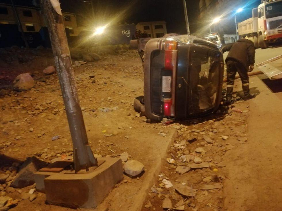 Reportan seis heridos tras accidente de un vehículo