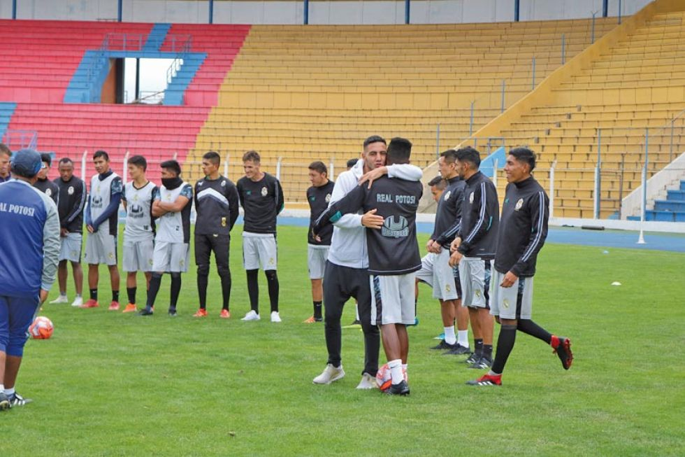 Real Potosí rescinde contrato con el delantero argentino Vogliotti