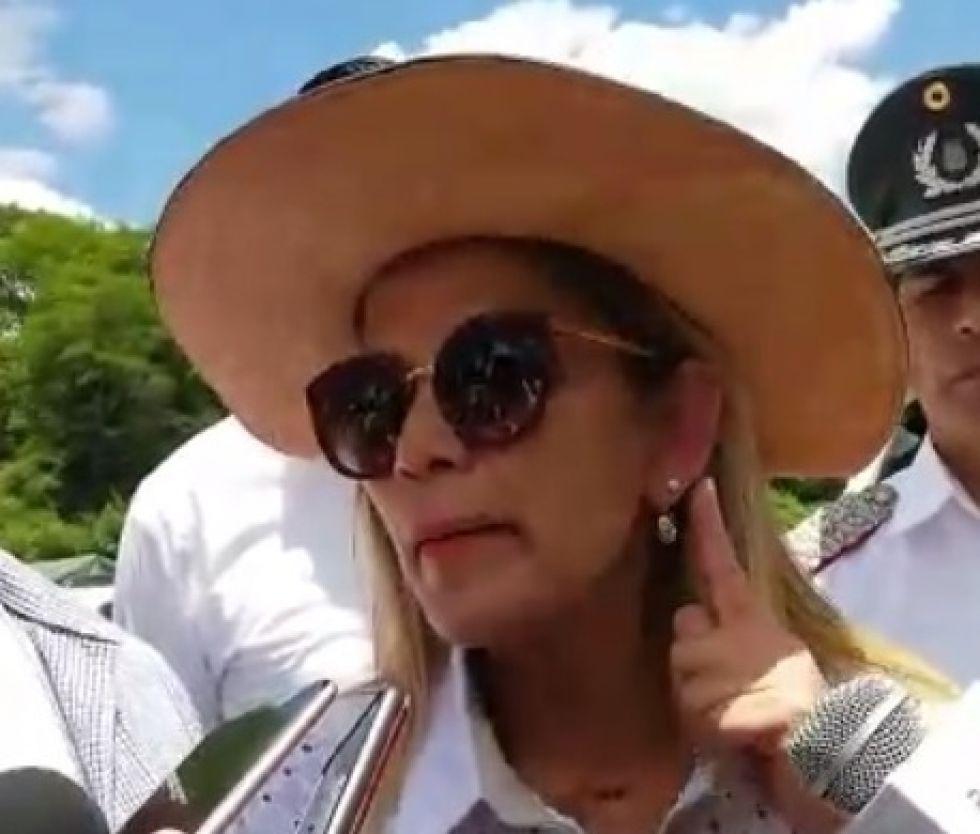 Presidenta Añez anuncia orden de aprehensión contra Evo Morales