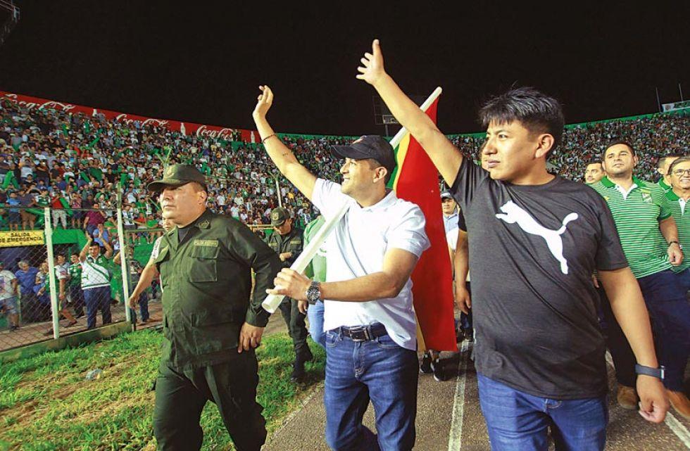 El exlíder cívico cruceño, Luis Fernando Camacho y el  dirigente del Comité Cívico Potosinista, Marco Pumari.