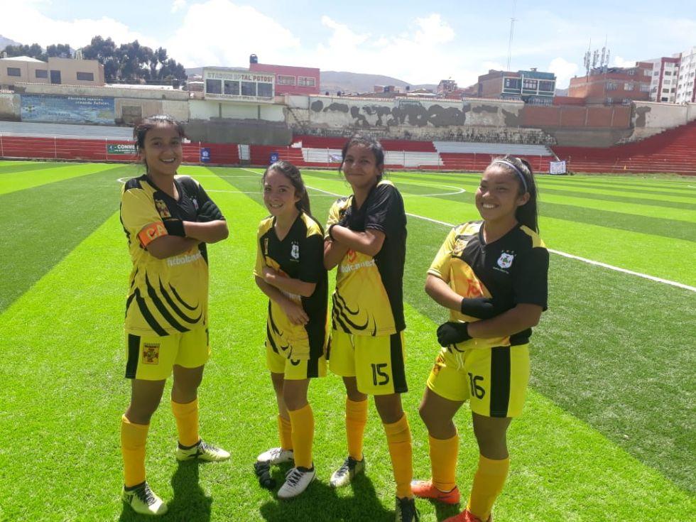 Las cuatro autoras de los goles