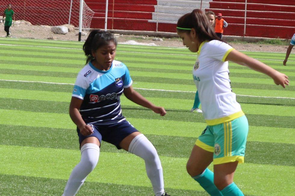 Las mujeres dan ejemplo y golean en el fútbol femenino sub-16