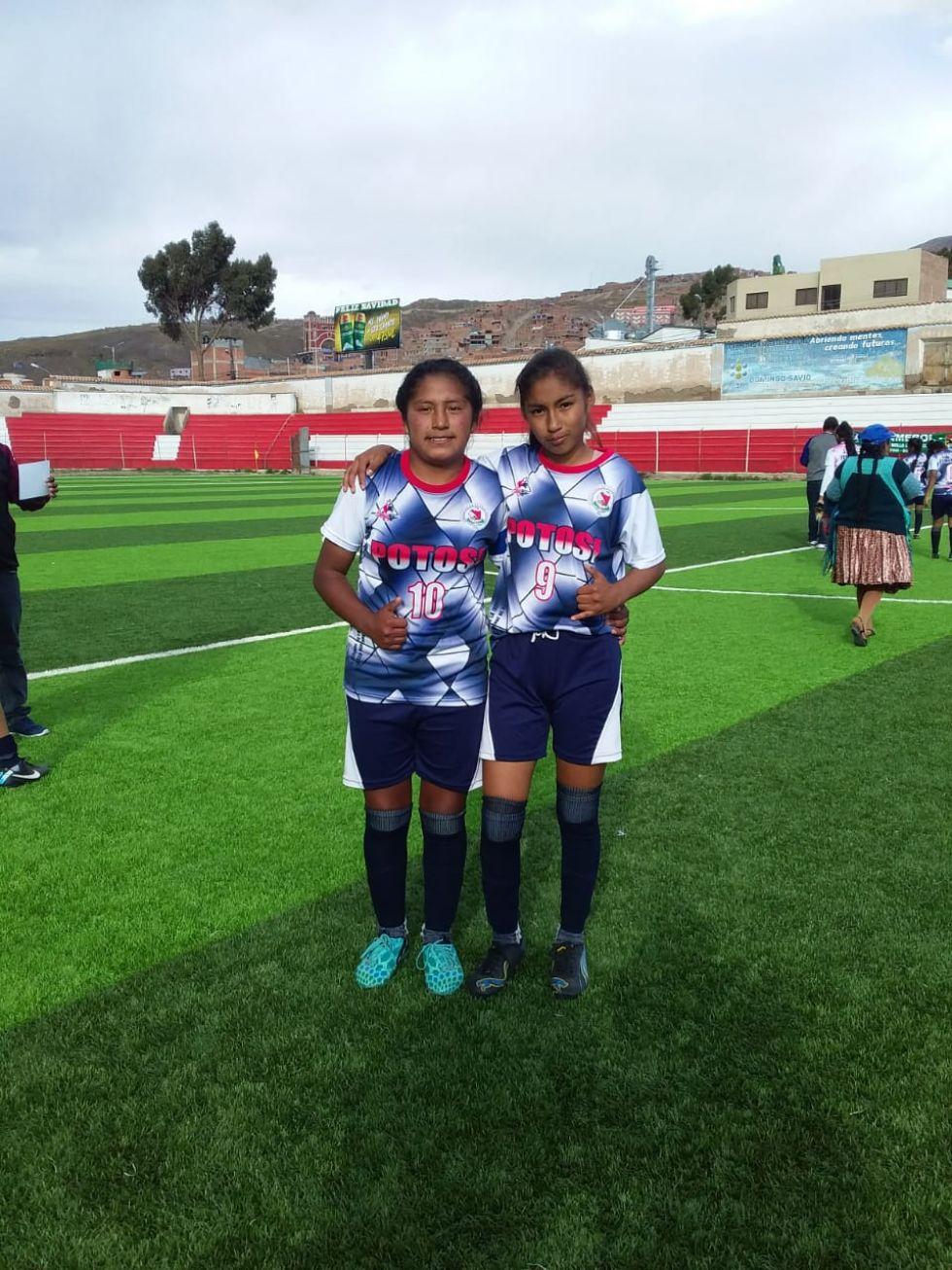 Amelia Avendaño y Nicol Zamara Paredes autoras de los goles para Potosí