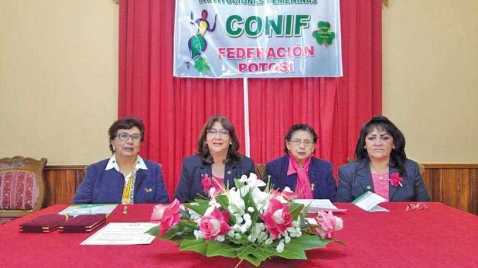 Las integrantes de la organización.