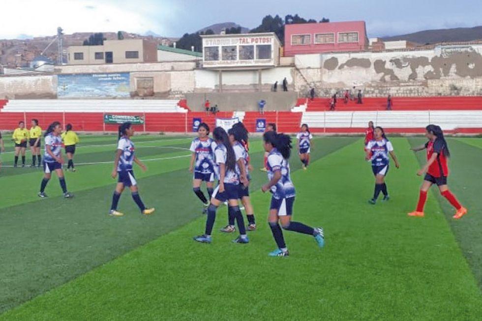 Potosí va a la lucha por el título nacional de fútbol femenino