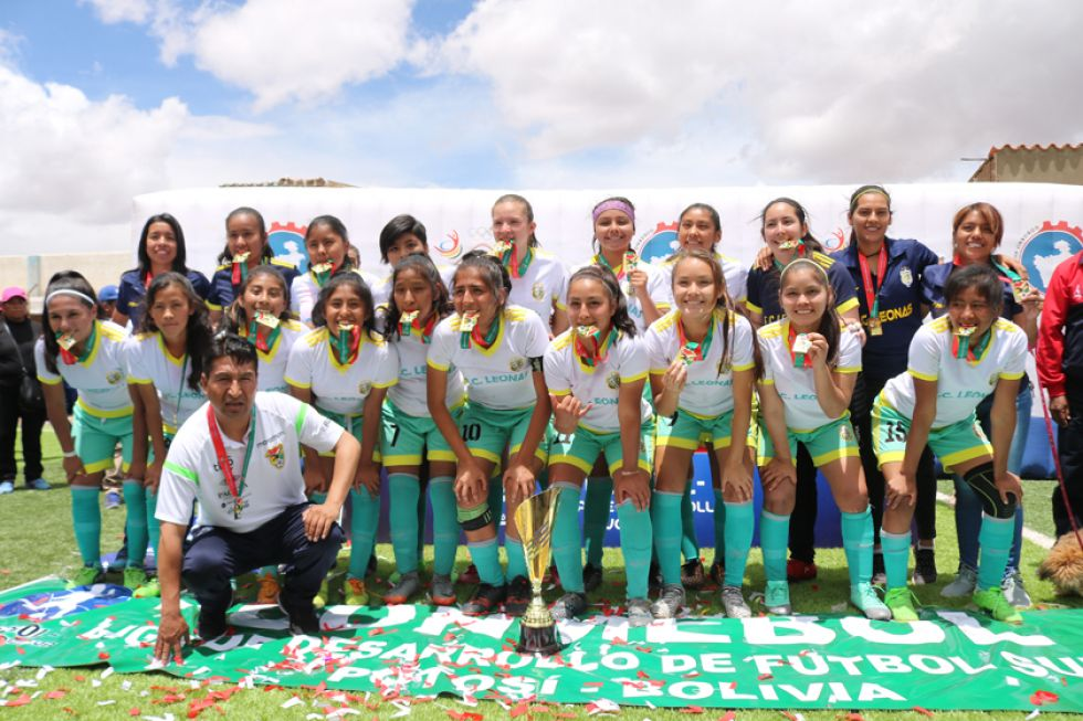La selección de Tarija (club F.C. Leonas) se corono campeona.