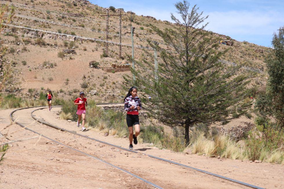 Las corredoras durante la competencia.