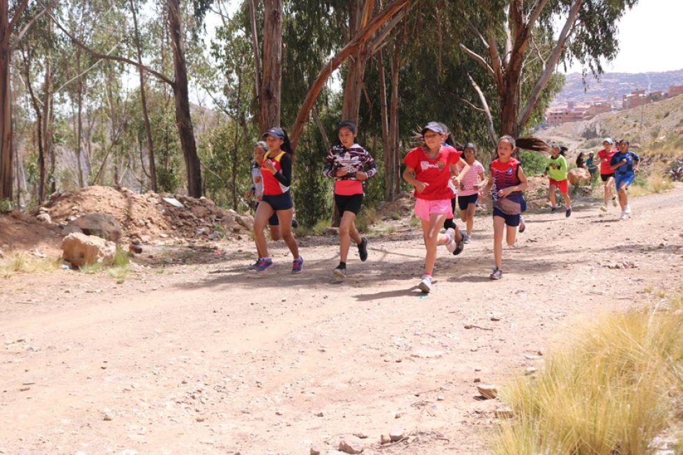 Los deportistas corrieron en las categorías de sub 8, sub 10, sub 12, sub 14, sub 15, sub 16 y sénior.